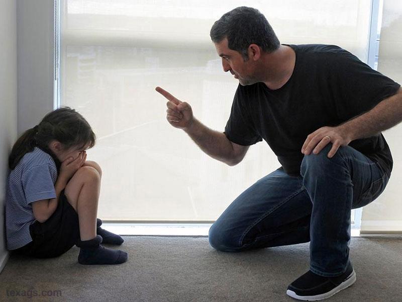 بدرفتاری خانوادگی یکی از موارد نقض حقوق کودک است