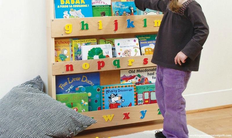 چگونه کتابخانه کودک خود را با بودجه کم بسازم؟