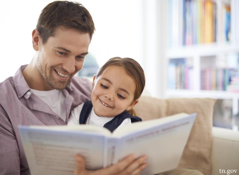 چگونه کودکان را به کتاب خواندن علاقهمند کنیم