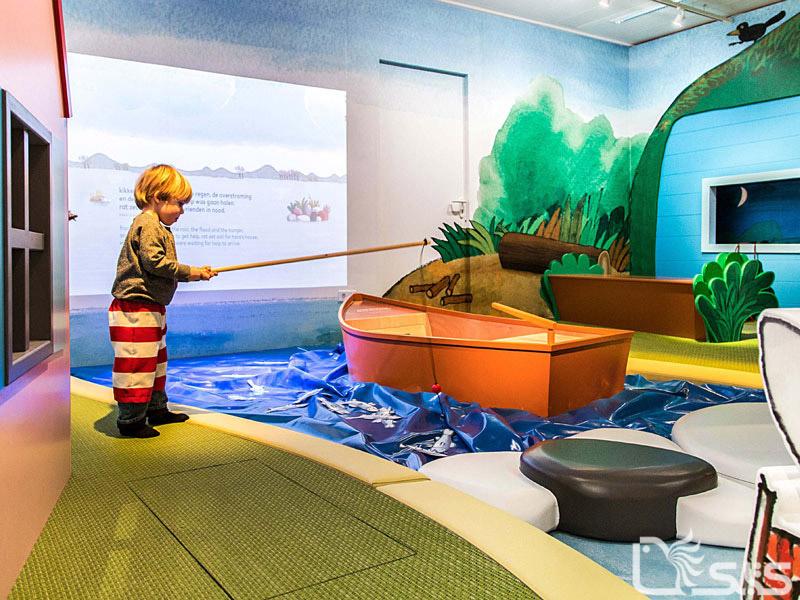 نمایشگاه «من قورباغه هستم» در موزه کتاب کودکان