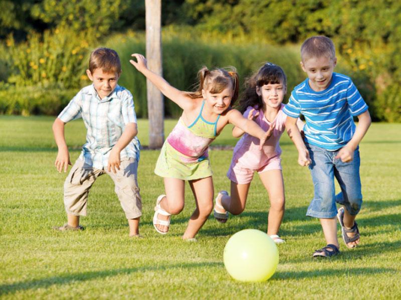 بازی های گروهی مناسب برای کودکان در تعطیلات نوروزی