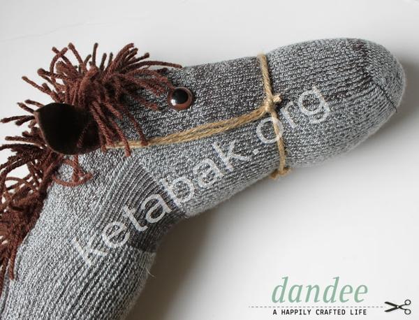 ساخت اسب با جوراب پشمی