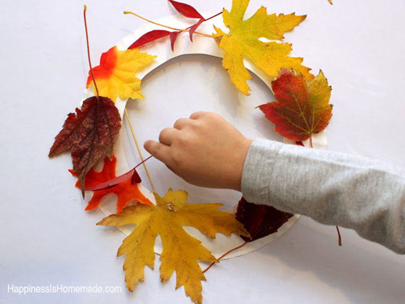 تاج گل برگهای پاییزی بسازید