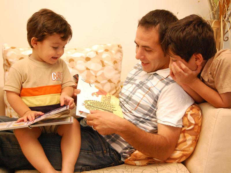 توصیههایی برای آموزش زبان از راه مطالعه به کودکان