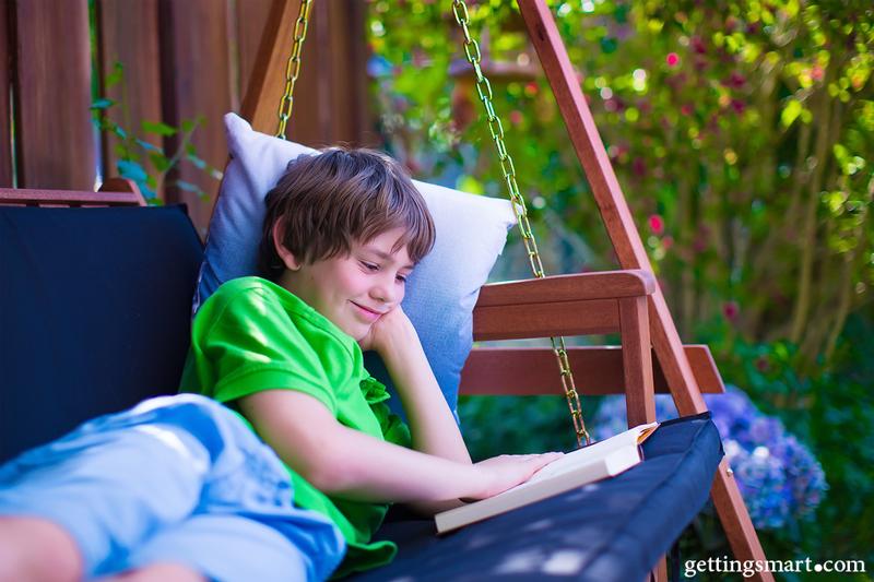 چگونه نوجوان خود را به خواندن تشویق كنید