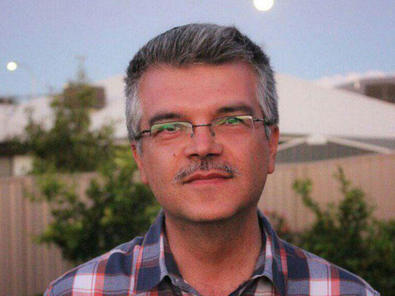 مشق شب از منظر یک دوستدار کتاب: گفتوگو با یزدان منصوریان