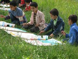 """نقاشی های کودکان از """"خدا در روستا"""""""