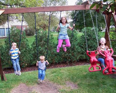 به بچه ها اجازه دهید آزادانه بازی کنند!