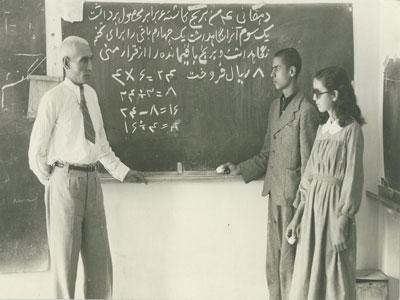 آموزگاری مذهب من است!