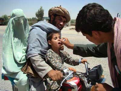 تلاش برای ریشه کن کردن بیماری فلج اطفال در جهان ادامه دارد