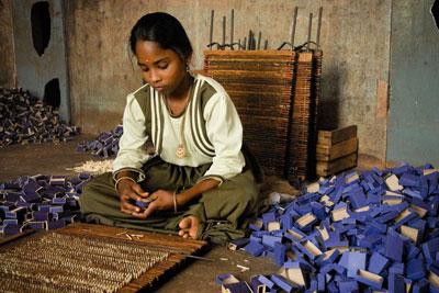 کودکان کار از بهداشت، آموزش و رشد سالم بی بهره اند