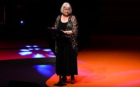 باربرو لیندگرن جایزه یادبود آسترید لیندگرن را دریافت کرد