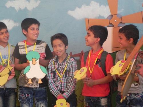 کودکان کار در روز مبارزه با کار کودکان در موزه تاریخ فرهنگ کودکی