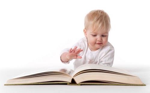 آموزش خواندن به نوزادان و خردسالان، ضرورت یا انحراف؟