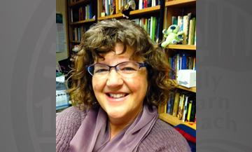 یک نظریه پرداز ادبیات کودک، عنوان پژوهشگر برجسته سال ٢٠١۴ دانشگاه ایلینوی را ا