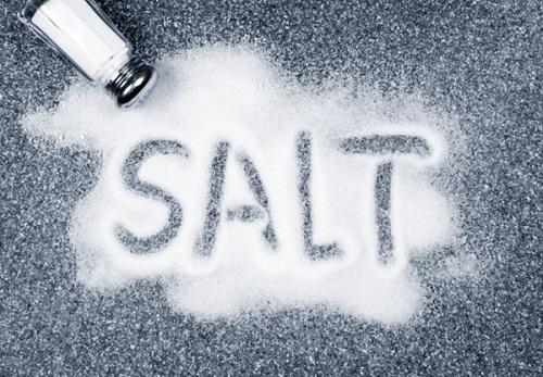 غذاهای آماده کودکان سرشار از نمک و قند است