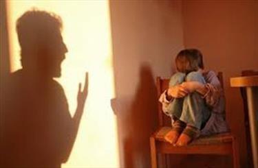 کودک آزاری عاطفی در خانواده ها