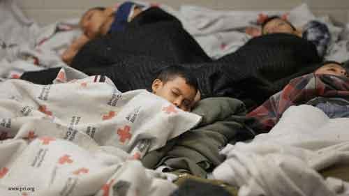 دفتر بین المللی کتاب برای نسل جوان ۱۰ هزار دلار به کودکان پناهنده در امریکا کمک