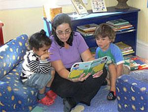 کارگاه قصهگویی برای مادران در کتابخانه «شهید جهان آرا»