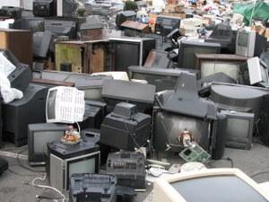 بازیافت زباله های رایانه ای، چالشی برای نسل آینده!