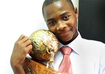 جایزه بین المللی صلح در دستان یک نوجوان پناهنده اهل کنگو