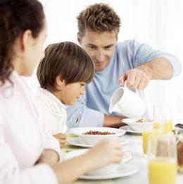 كدام مواد غذایی برای هوش كودك مفید هستند؟