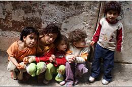 زندگی در اردوگاه های پناهندگی از قاب دوربین کودکان فلسطینی!