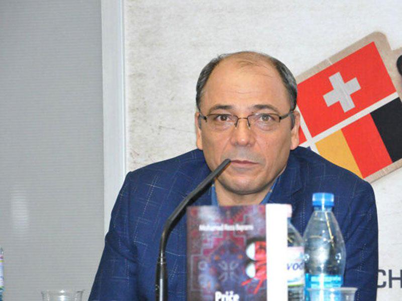 محمدرضا بایرامی از دریافت دو جایزه ادبی بینالمللی روایت میکند