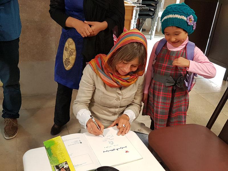 پرنده قرمز و آرزوهای کودکان محمود آباد شهرری