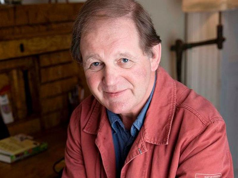 نویسنده کتاب «اسب جنگی» از آزمونهای مدرسه انتقاد کرد