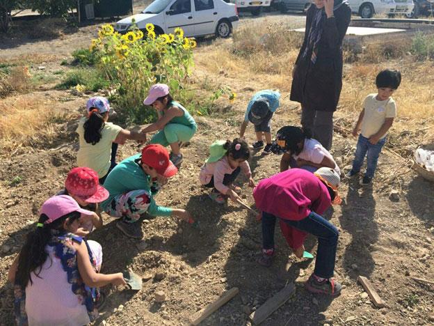 با مدرسه طبیعت، دنیا را به کودکان بدهیم تا دنیا دوستی را درک کنند