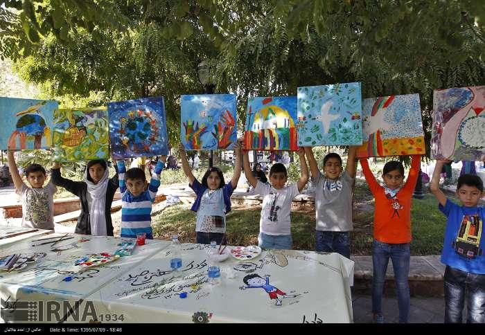 ویژهبرنامه «کودک، هنر، صلح» برگزار شد