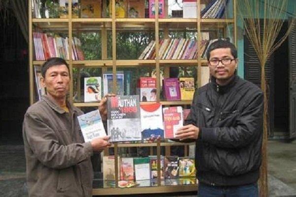 اهدای جایزه یونسکو به مرد ویتنامی برای پروژه کتابرسانی به کودکان