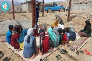 حضور ترویجگران داوطلب کرمانشاهی «با من بخوان» در روستاهای سیلزده لرستان