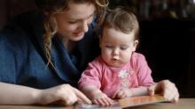 کودکان نوپا را به خواندن عادت دهید