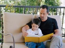 چگونه کتاب را با کودکان ۷ - ۹ ساله خود سهیم شویم