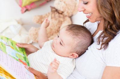 پیشنهاد هایی برای خواندن کتاب با نوزادان پیش از خواب