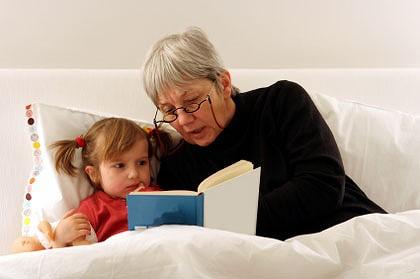 پیشنهادهایی برای مطالعه هنگام خواب با کودکان نوپا