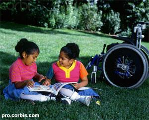کتابدار کتابخانۀ کودکان و کودک معلول