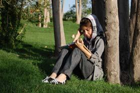 چگونه نوجوانان را به مطالعه علاقهمند کنیم؟