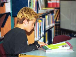 كتاب درمانی: كتاب های خواندنی برای نوجوانان