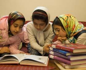 چگونه کودکان دبستانی و نوجوانان دوره ی راهنمایی را به خواندن علاقه مند کنیم؟