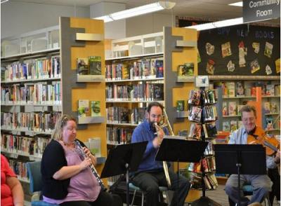 شنیدن در کتابخانه: آمیختن موسیقی و ادبیات برای پرورش عشق به یادگیری در کودکان