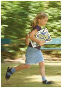 مسابقه دو میدانی با کتاب، فعالیتی برای آشنایی کودکان با انواع کتاب ها