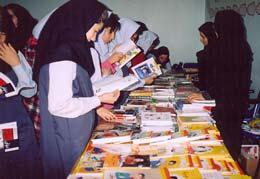 هفته ی کتاب و کتابخوانی در مدرسه ی آزاده اصفهان